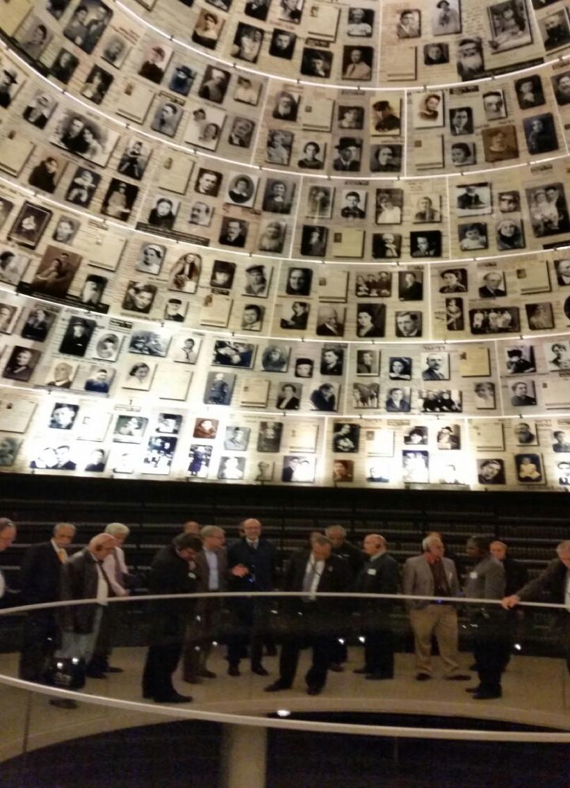 """Los rectores también estuvieron en """"Yad Vashem"""" (Fotografía cortesía del Ministerio de Relaciones Exteriores)"""