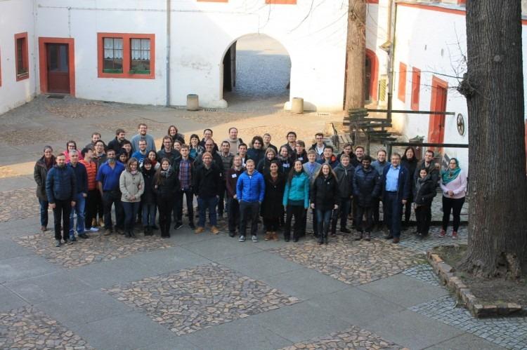 Foto grupal de los participantes del curso de Resonancia Magnética.