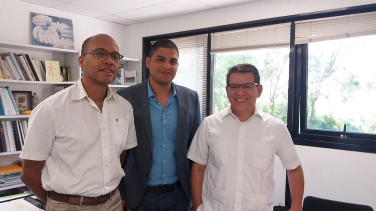 Ricardo Salazar, con Julio Calvo y Jean-Michel Risede, de la Universidad de Montpellier.
