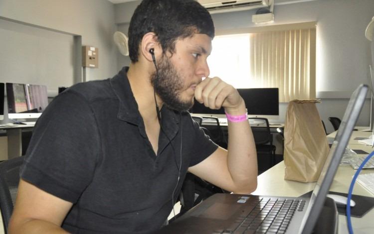 """Briam Mora es originario de San Ramón y estudia Ingeniería en Computación en el Centro Académico de Alajuela del TEC. Participó en el Rally como parte del equipo """"Akem""""."""