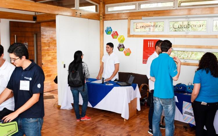 Dentro de Casa Trópika y fuera de esta, los asistentes conocieron propuestas innovadoras de productos y servicios. (Foto: Ruth Garita/OCM)