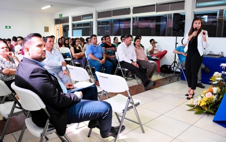 personas en clase inaugural 2017 de la sede interuniversitaria Alajuela