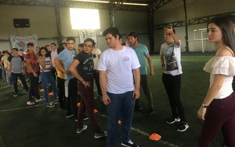 estudiantes_en_actividad_recreativa_