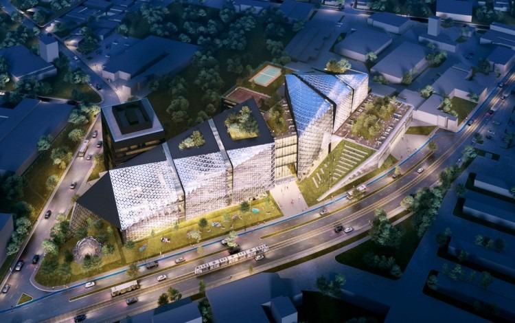 La Ciudad TEC tiene color metálico con una estructura moderna.