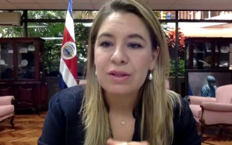 Claudia Dobles Camargo, primera dama de la República, en su despacho.