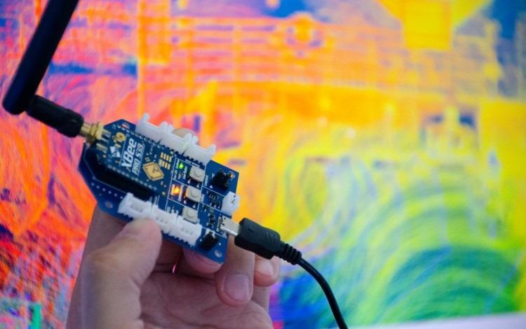 Imagen de la antena y el transistor.