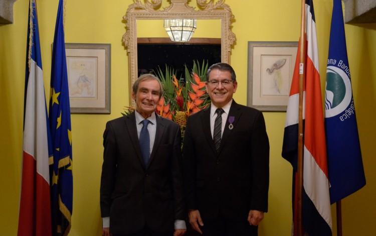 embajador_de_francia_junto_al_rector_del_tecnologico_