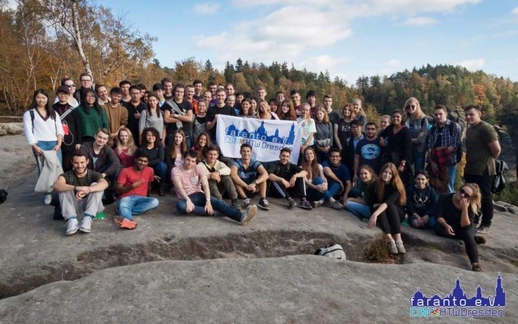 grupo_estudiantes_durante_intercambio_alemania_