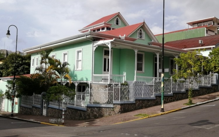 Casa Verde en Barrio Amón