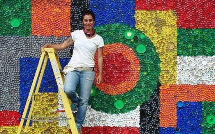 Murales Con Tapas Recicladas