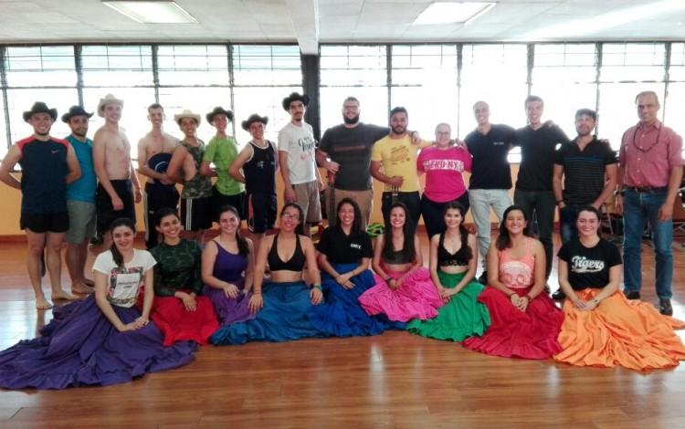 Compañía Folclórica Tierra y Cosecha y JamTEC participarán del X Encuentro Mundial del Folklore Mi Perú 2017. (Foto: Facebook Compañía Folclórica Tierra y Cosecha)