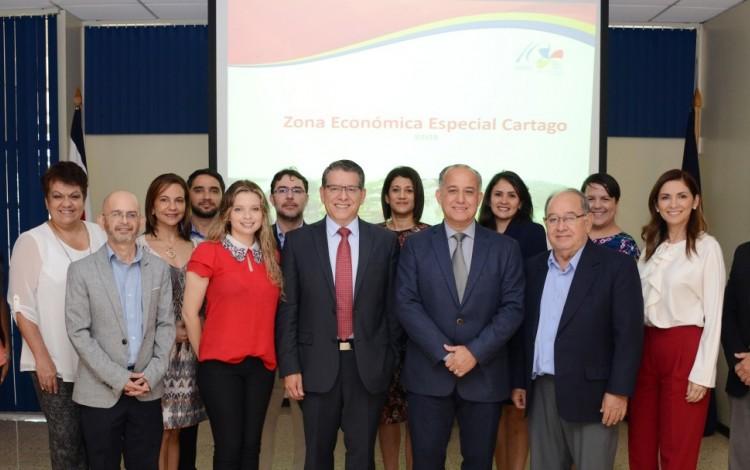 Representantes del PLN, PAC y Reestauración Nacional
