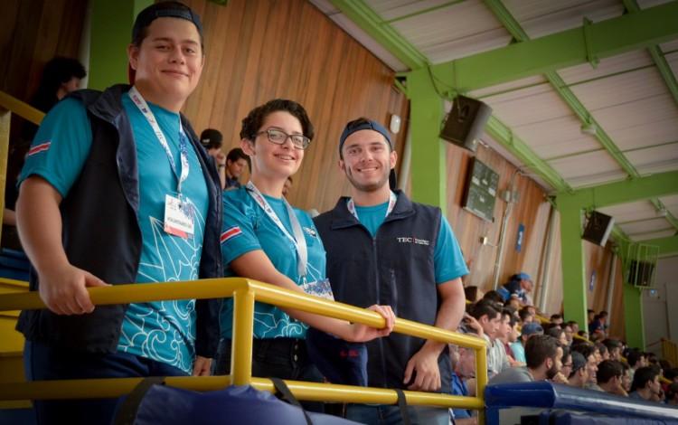 voluntarios_en_gimnasio_