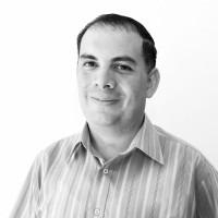 Johnny Gómez Aguilar, Editor.