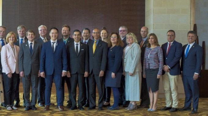 Varios profesionales juntos para la foto