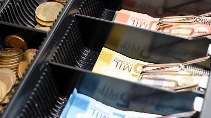 dinero_en_caja_registradora_