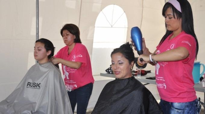 donacion_cabello_cancer_mama_feria_rosa_
