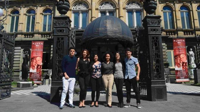 En el orden habitual: Randall Tapia, Daniela Ramírez, Débora Cubero, Ana Slon, Aurelia Rodríguez y Luis Diego Elizondo.