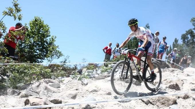 Estudiante del TEC Javier Valverde compitiendo en Mundial de Ciclismo Universitario de 2018.