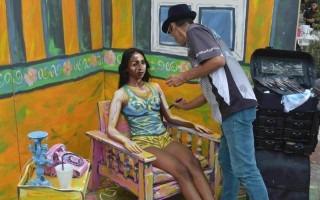 "La técnica del ""body paint"" se hizo presente en Amón Cultural. (Foto Fernando Montero)"