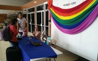 En el Centro Académico de Alajuela las personas se informaron sobre la Diversidad. (Foto: Paola Solano)