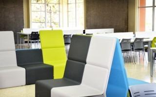 Esta es la nueva cara de la sala más compartida de la Biblioteca, a tan solo días de comenzar a recibir a los estudiantes y demás miembros de la comunidad TEC. Se espera que la innovación tenga efectos positivos en la salud y comodidad de los usuarios. (Foto: OCM)