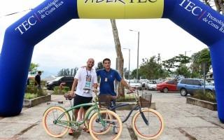 Luego de la Carrera por el Ambiente se realizó el sorteo de dos bicicletas. Foto: Ruth Garita/OCM.