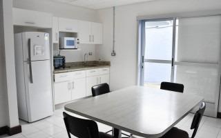 Esta es la cocineta que se ubica en el primer piso.