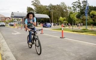 La bicicleta es uno de los medios de transporte sostenible más populares en el TEC.