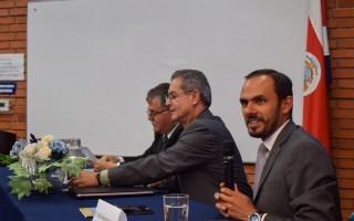 el exembajador de Costa Rica ante la OEA, recordó que Venezuela es la nación con las mayores reservas de petróleo del mundo. (Foto: Andrés Zúñiga / OCM).