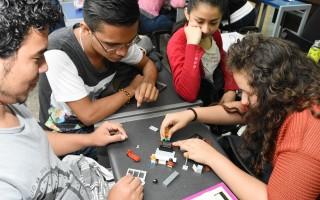 Para que el modelo sea efectivo, los estudiantes deben estudiar antes de llegar a la clase. (Foto: Ruth Garita / OCM).