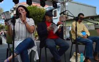 La poesía deleitó los sentidos de los asistentes, gracias a la lectura de Marianella Sáenz, Adriano Corrales y Gustavo Induni (Foto: Fernando Montero)