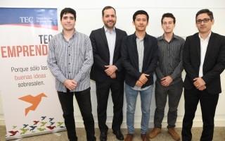 Parte del equipo ganador, visita la instalaciones de Cisco - Costa Rica. (Foto: Ruth Garita / OCM).