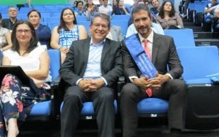 El rector Julio César Calvo estuvo presente durante el acto de juramentación del nuevo director del Campus Tecnológico Local San Carlos, Óscar López.  Los acompaña Ingrid Herrera, presidente del TIE.
