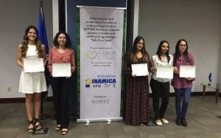 Estudiantes finalistas del concurso