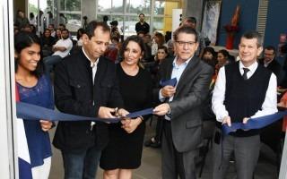 El edificio fue oficialmente inaugurado por las autoridades institucionales, de la Escuela y representación estudiantil. Foto: Ruth Garita/OCM.