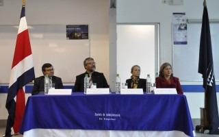La mesa principal estuvo conformada por Alejandro Masís, Sander Pacheco, Claudia Madrizova y Carmen Madriz, directora de Posgrados del TEC. (Foto: OCM)