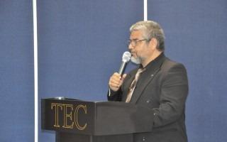 El viceministro Sander Pacheco destacó la fortaleza a nivel mundial de la educación pública en Costa Rica. (Foto: OCM)