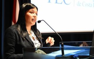 La máster María Estrada fungió como presidenta de la organización (chair) de Jocici.