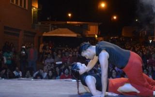 """Katherine Chao y Siul Mongalo de DanzAmón representaron """"Argot"""" en el XII Festival Intersedes de Danza Contemporánea. Foto: Fernando Montero / OCM."""
