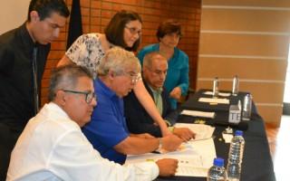 Los miembros del TIE analizaron la propuesta de los colores para las campañas que realizarán los candidatos. (Foto: OCM)