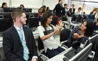 Los asistentes al Congreso hicieron uso de los equipos tecnológicos de la Institución. (Foto: Ruth Garita/OCM)