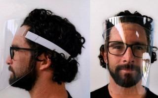 imagen de un hombre con la careta protectora diseñada por el TEC