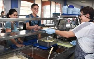 Durante el período de vacaciones, el restaurante institucional brindó el servicio de almuerzo para los estudiantes de los cursos de verano. (Archivo OCM)