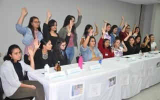 Conferencia de prensa feminista.