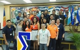 Parte de la delegación costarricense que participó del III Encuentro Centroamericano de Matemática Educativa, (ECAME), entre ellos estudiantes y profesores de la Escuela de Matemática del Tecnológico de Costa Rica. (Foto cortesía de Raquel Boniche).