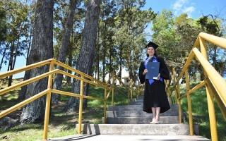 Estephanía Salazar es una de las primeras tres personas que tienen una Maestría en Ciencias Forestales del TEC. Foto: Ruth Garita/OCM.