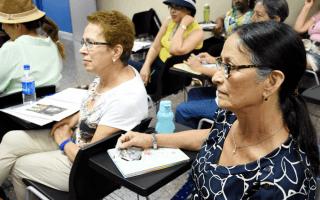 """19 personas adultas mayores forman parte de la segunda generación del programa """"TEC Emprende: Póngale vida a los años"""".(foto Ruth Garita/OCM)"""