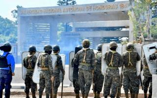 militares frente a la unah