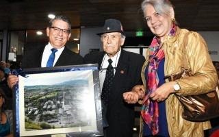 Jorge Luis Villanueva Badilla recibió un reconocimiento en el 45 Aniversario del TEC, por su iniciativa de propuesta junto conFernando Guzmán Mataen la Creación de esta Casa de Enseñanza Superior. Foto Ruth Garita/OCM.